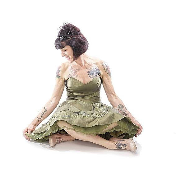 cropped-cropped-green-goddess-pose1